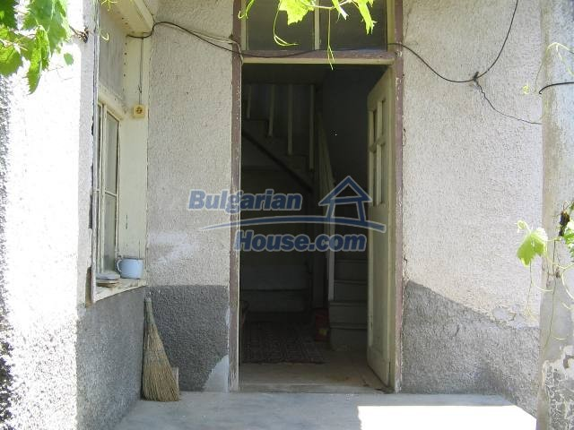 10825:16 - Well maintained stone-built two-storey house,Ivailovgrad region