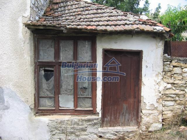10825:32 - Well maintained stone-built two-storey house,Ivailovgrad region