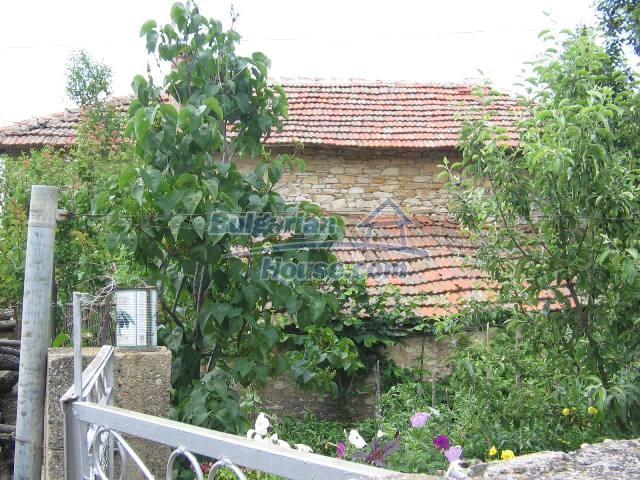 10825:35 - Well maintained stone-built two-storey house,Ivailovgrad region