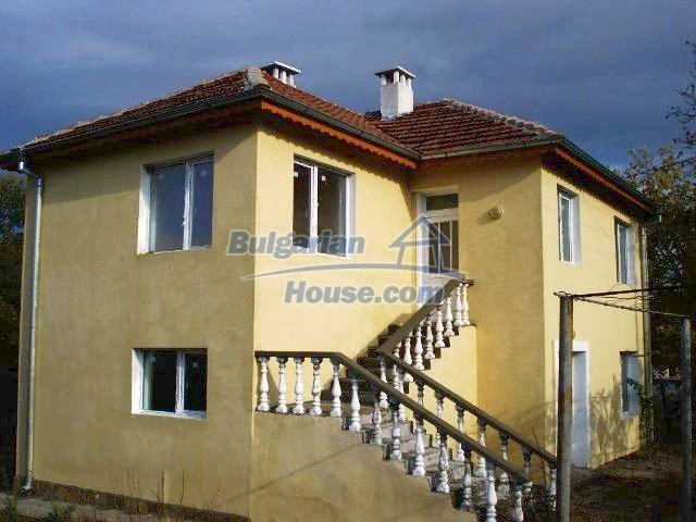 10826:1 - Entirely repaired two-storey house in Elhovo region