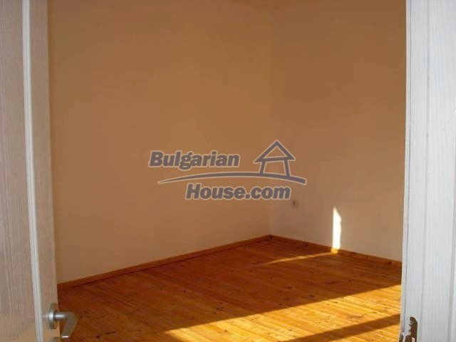 10826:3 - Entirely repaired two-storey house in Elhovo region