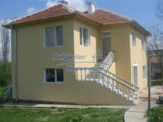 10826:6 - Entirely repaired two-storey house in Elhovo region