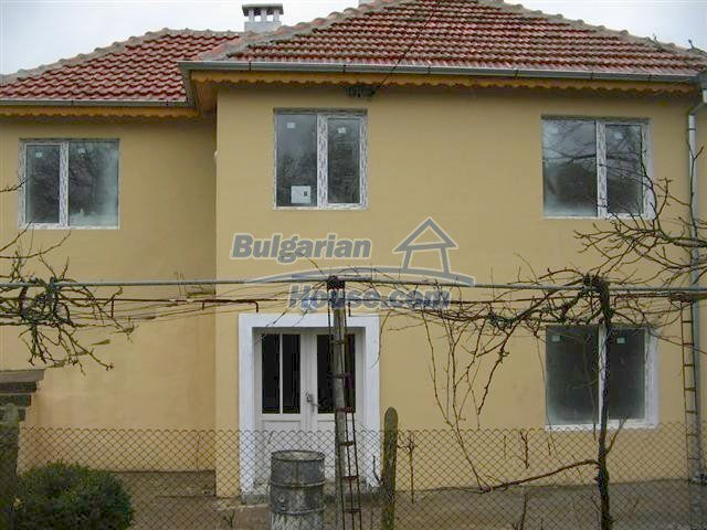10826:7 - Entirely repaired two-storey house in Elhovo region