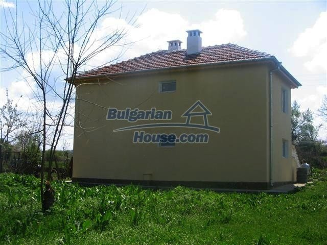 10826:16 - Entirely repaired two-storey house in Elhovo region