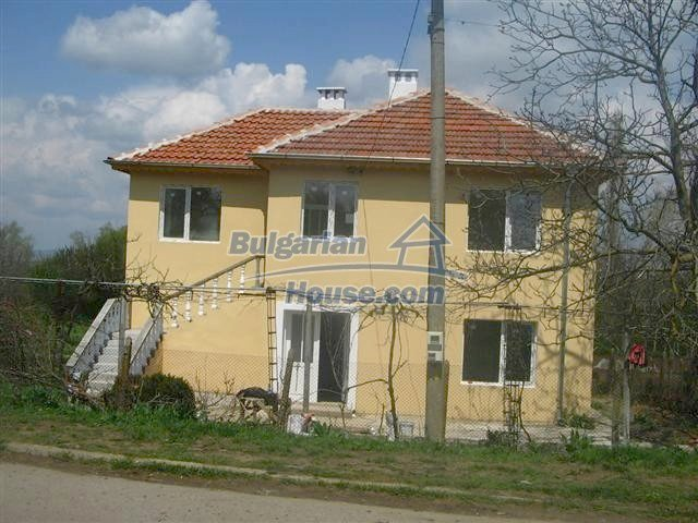 10826:17 - Entirely repaired two-storey house in Elhovo region
