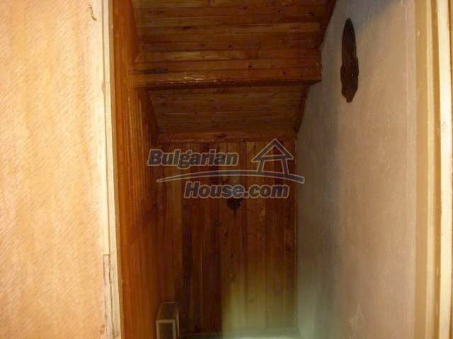 10833:11 - Two-storey house with a huge garden and a fireplace, Elhovo