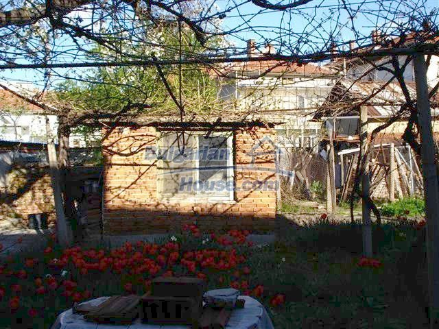 10851:14 - Nice two-storey house in the town center of Elhovo