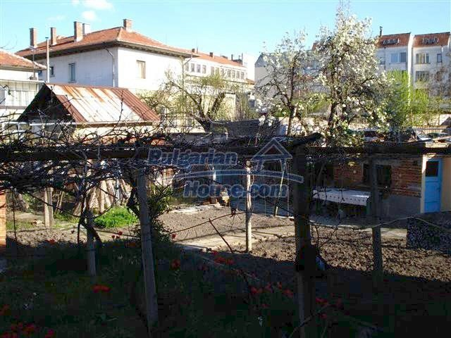 10851:15 - Nice two-storey house in the town center of Elhovo