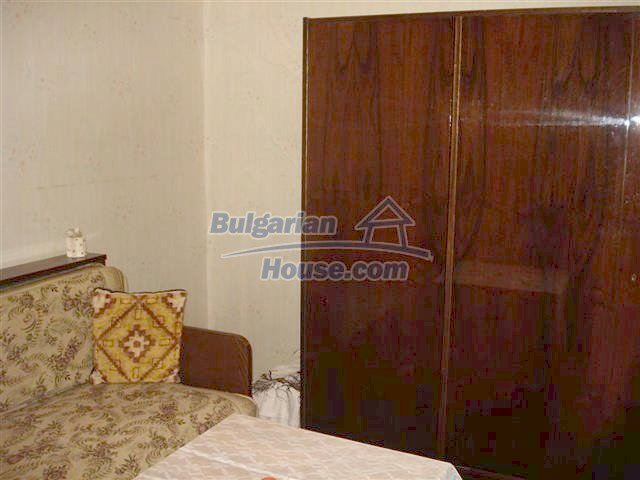 10852:2 - Single-storey house with a garden near the town center, Elhovo
