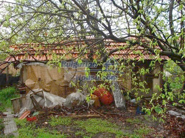 10852:13 - Single-storey house with a garden near the town center, Elhovo