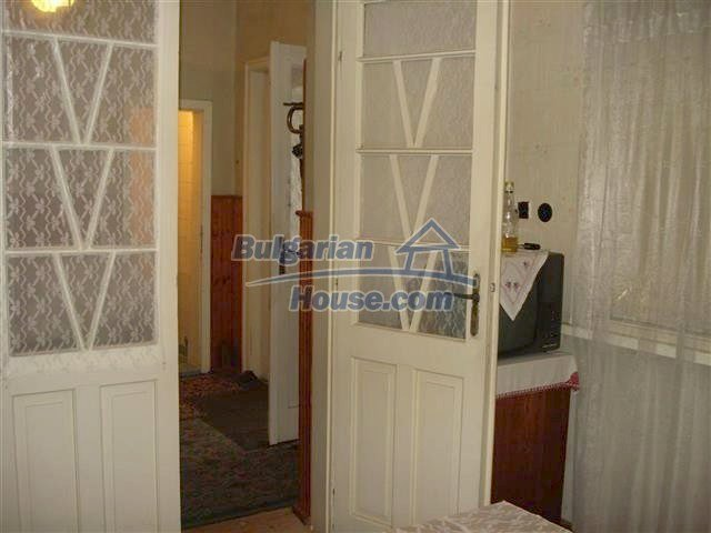 10852:7 - Single-storey house with a garden near the town center, Elhovo