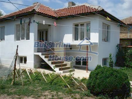 10858:1 - Furnished two-storey house with a garden near Varna