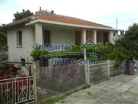 10883:1 - Beautiful three-storey house in Obzor