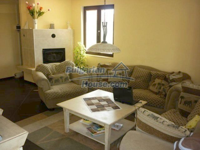 10893:4 - Property in a villa district close to the sea