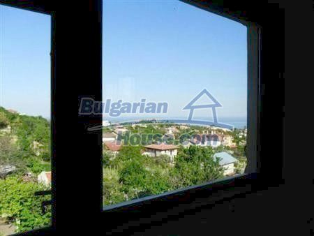 10896:2 - House with yard and beautiful sea view, Varna