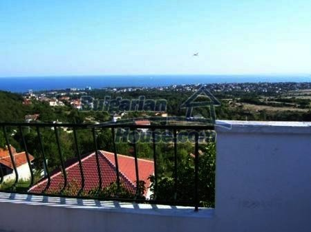 10898:2 - House in a popular residential area, sea view