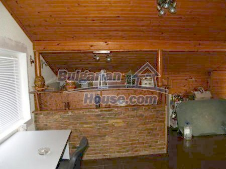 10900:3 - Thoroughly furnished house with a fireplace