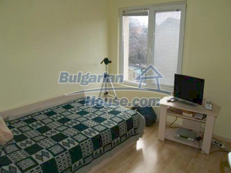 10900:4 - Thoroughly furnished house with a fireplace