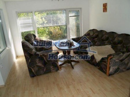 10900:6 - Thoroughly furnished house with a fireplace