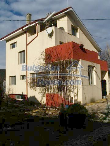 10900:7 - Thoroughly furnished house with a fireplace