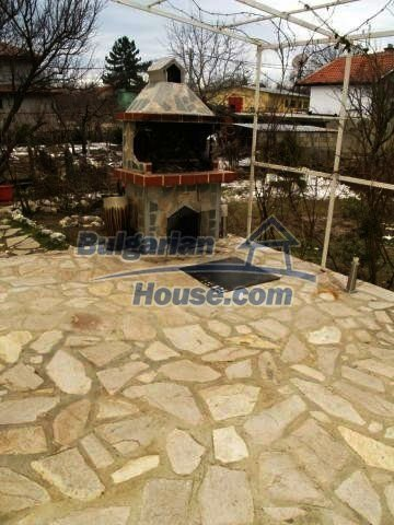 10900:9 - Thoroughly furnished house with a fireplace