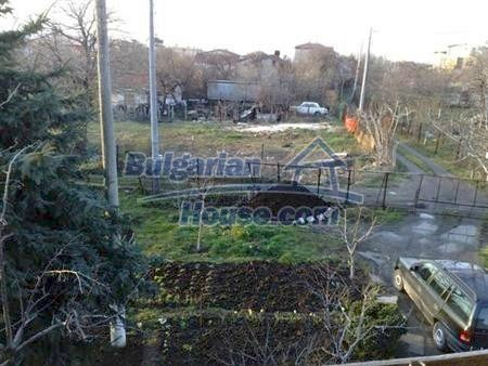 10901:5 - Cozy house with a big yard in Varna