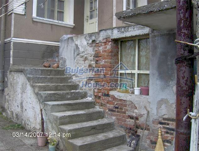 10919:17 - Solid brick-built house, ecologically clean area