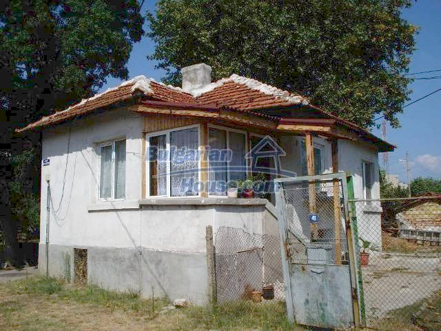 10920:1 - House with a big yard in Elhovo