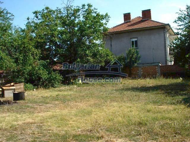 10920:3 - House with a big yard in Elhovo