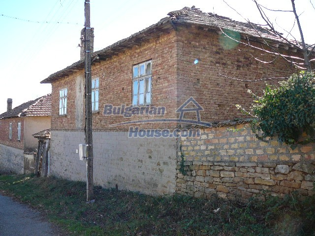 10930:3 - Cheap Bulgarian house with unique spirit