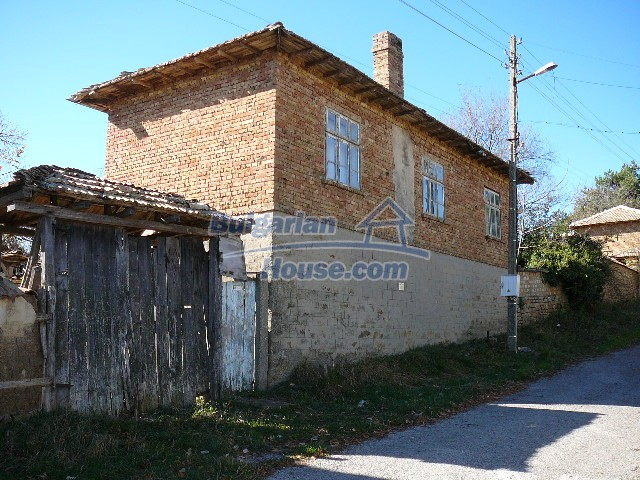 10930:5 - Cheap Bulgarian house with unique spirit