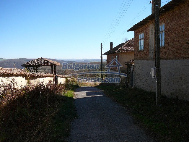 10930:6 - Cheap Bulgarian house with unique spirit
