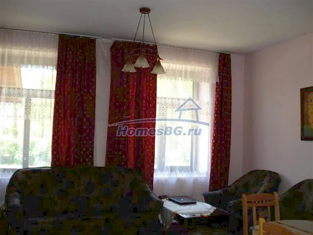 10933:5 - Renovated house for sale 5km from Yambol and big garden