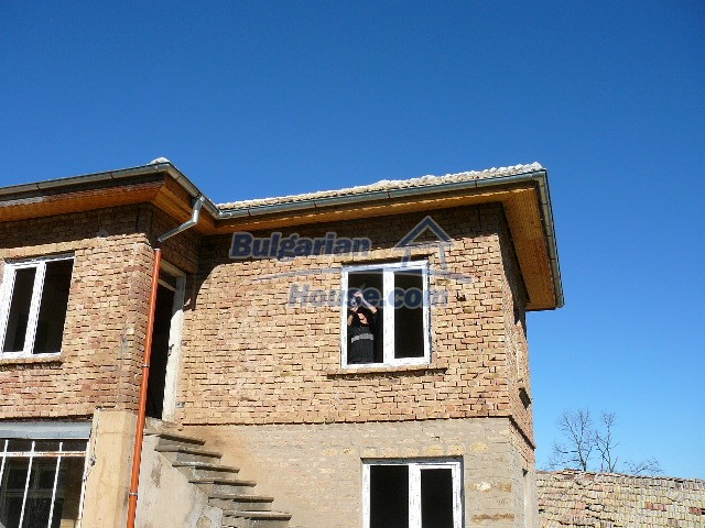 10280:24 - Buy Cheap Bulgarian house with stunning mountain view near lake