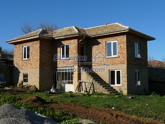 10280:27 - Buy Cheap Bulgarian house with stunning mountain view near lake
