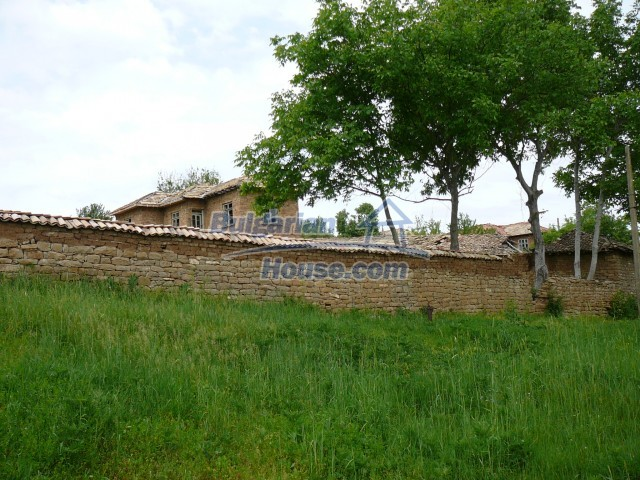 10280:30 - Buy Cheap Bulgarian house with stunning mountain view near lake
