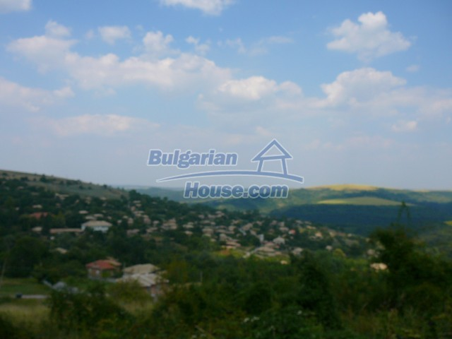 10280:32 - Buy Cheap Bulgarian house with stunning mountain view near lake