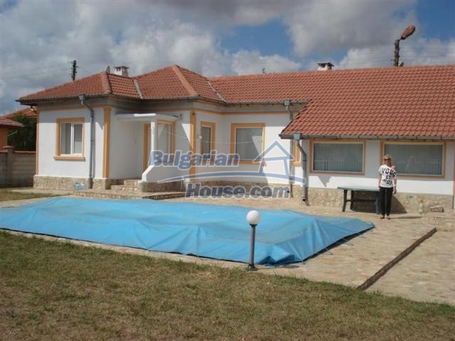 10941:1 - Coastal furnished house with a garden and a swimming pool