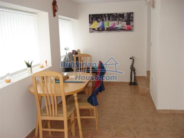 10941:13 - Coastal furnished house with a garden and a swimming pool