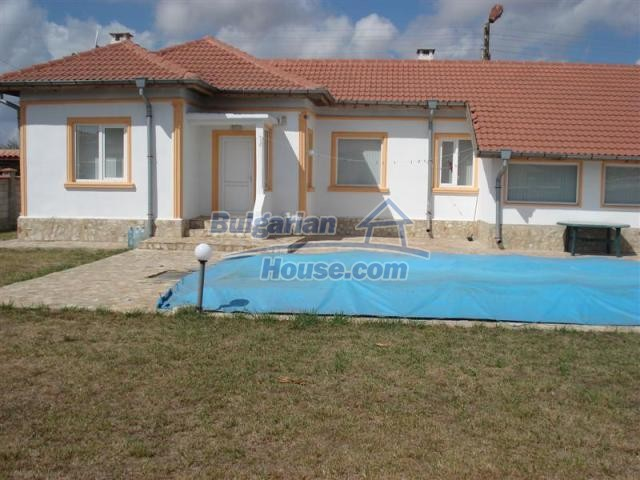 10941:4 - Coastal furnished house with a garden and a swimming pool