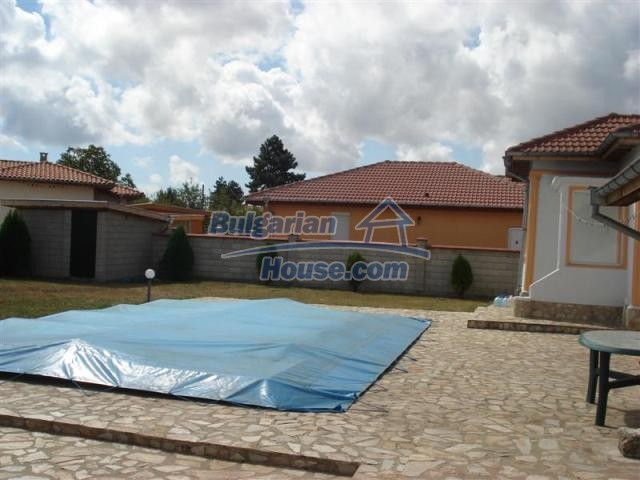 10941:8 - Coastal furnished house with a garden and a swimming pool