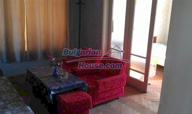 10963:2 - Spacious apartment in the town center of Elhovo
