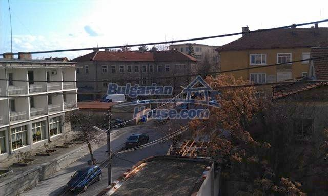 10963:15 - Spacious apartment in the town center of Elhovo