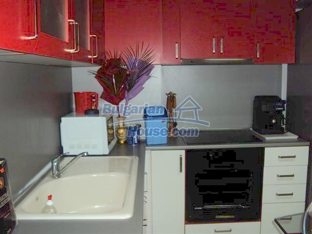 10964:2 - Well presented two-bedroom apartment in Elhovo