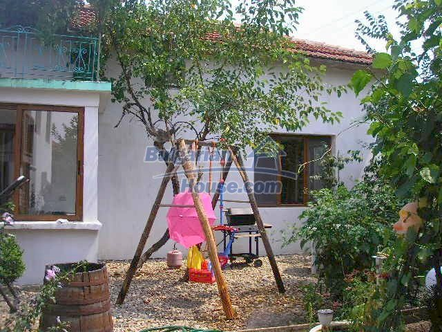 10975:4 - Lovely renovated rural houses, Yambol region
