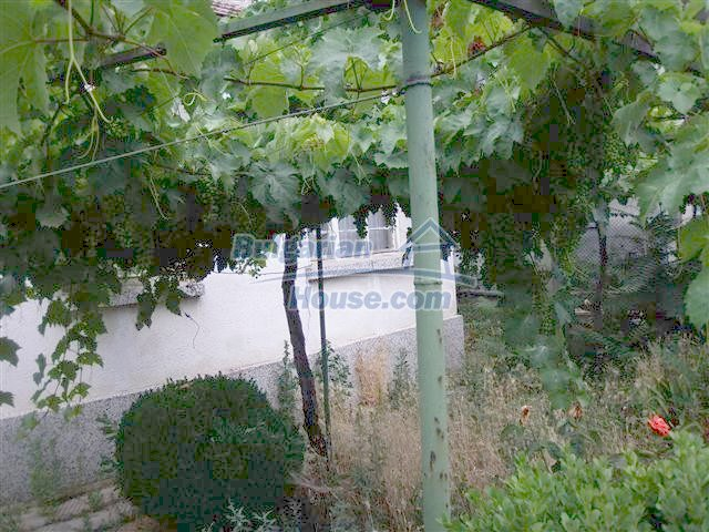 10981:4 - Well presented house near the Black Sea