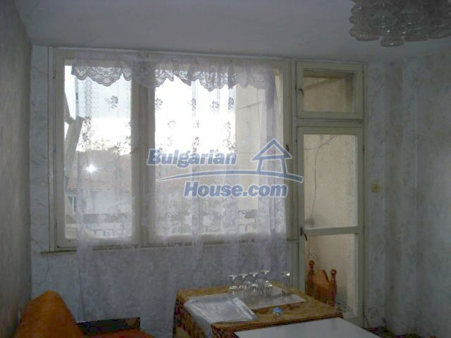 10986:7 - Large and cheap two-bedroom apartment near Elhovo