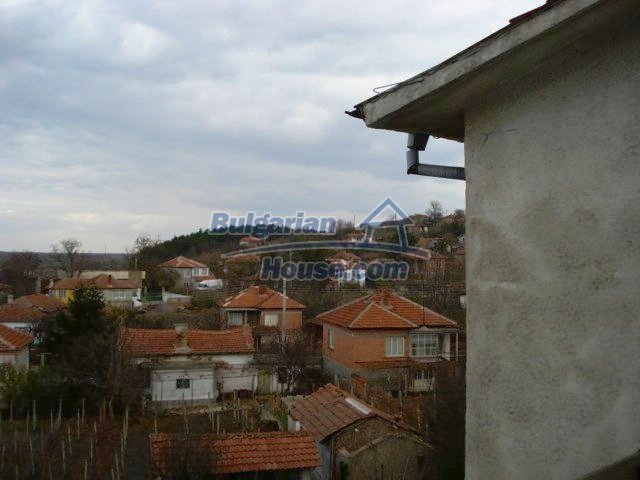 10986:11 - Large and cheap two-bedroom apartment near Elhovo