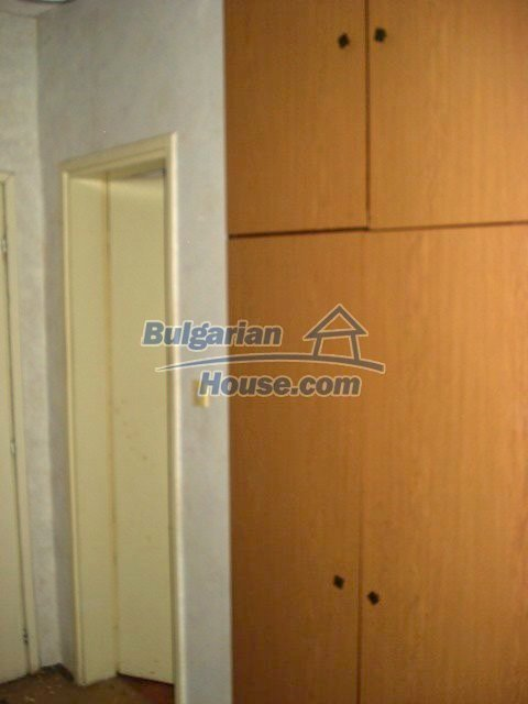 10986:12 - Large and cheap two-bedroom apartment near Elhovo
