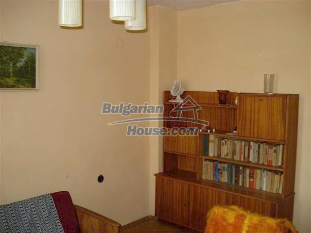 10991:1 - Cozy large two-bedroom furnished apartment